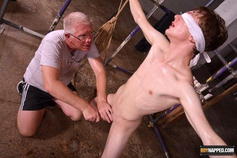 Flexible Alex Meets The Master, Part 1: Alex Faux & Sebastian Kane