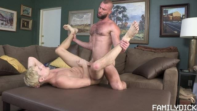 Sit Back & Relax: Taylor Reign & Donnie Argento (Bareback)
