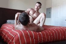 Asian Bodybuilder Ryan Hoang Fucked by Ettore Tosi (Bareback)