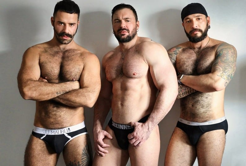 On all fours he's waiting for 2 big cocks: Gabriel, Julian Torres & Teddy Torres (Bareback)