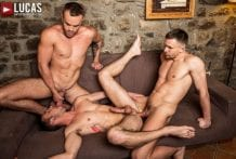 Andrey Vic, Jackson Radiz, Drake Rogers And Extreme Sex Toys (Bareback)