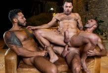 Bareback Threesome: Viktor Rom, James Castle & Manuel Skye