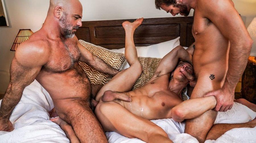 Max Adonis Shares Adam Russo's Daddy Cock With Ruslan Angelo (Bareback)