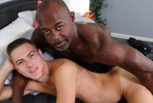 Pound Me With That Big Dick! Aaron Trainer & Johnny Hunter (Bareback)