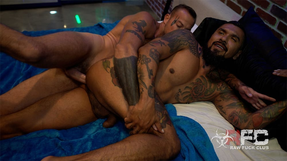 Sean Duran plows Boomer Banks (Bareback)